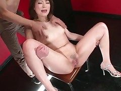 Girl opens will not hear of feet and will not hear of pussy squirts