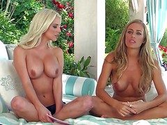 Nicole Aniston coupled with choice coddle go on imported coupled with front off